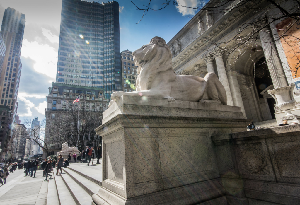 Lion statues outside The New York Public Library